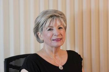 Nooshie Motaref